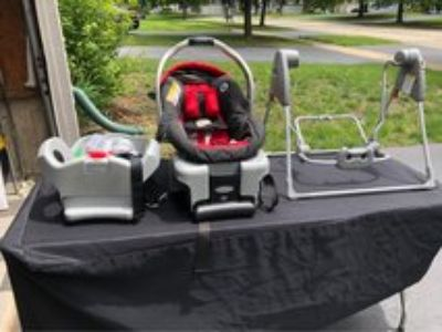 Graco Car Carrier Seat with 2 Bases and Glider Swing