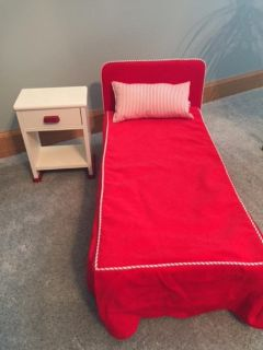 """American Girl """"Molly"""" (Retired) Bed and Nightstand"""