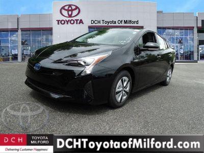 2018 Toyota Prius Four (Midnight Black Metallic)