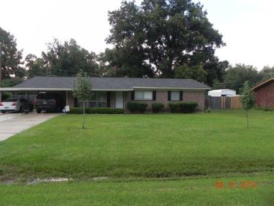 - $123000  3br - 1762ftsup2 - UPDATED 3 bed 2 bath