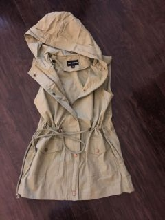 New without tags Olive drawstring military vest sz small