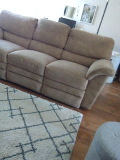 Electrical recliner couch in Perfect shape