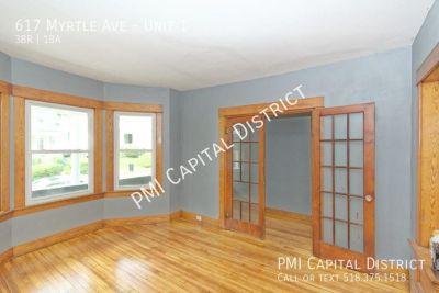 3 bedroom in Pine Hills
