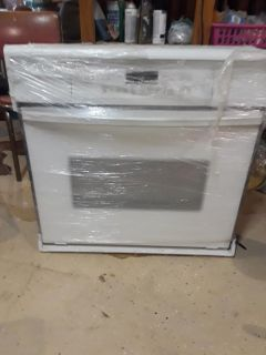 BRAND NEW Whirlpool Gold wall oven accubake w/ convection