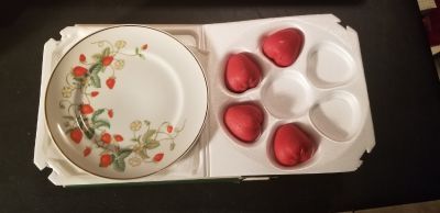 Avon Strawberry Porcelain Plate with soaps