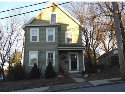 2 Bed 1 Bath Preforeclosure Property in Lowell, MA 01850 - Orleans St