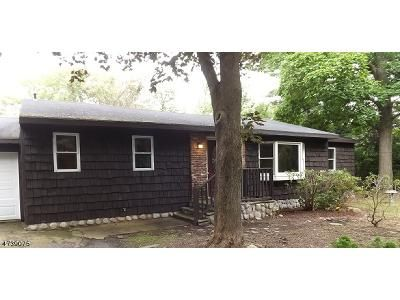 3 Bed 1 Bath Foreclosure Property in Hewitt, NJ 07421 - Longhouse Dr
