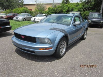 2005 Ford Mustang V6 Deluxe (Blue)