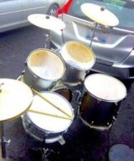 $180 FULL complete drumset w/EXTRA cymbals/seat etc.