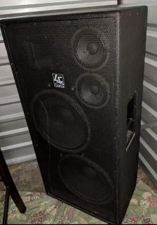 Pair of Carvin LSx1523 Powered Loudspeakers