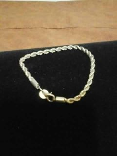 Sterling silver rope chain bracelet. 8 inches long. Meet in Angleton.
