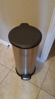 Stainless steel large thrash can