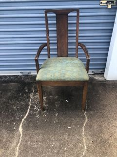 Vintage Solid wood chair: project piece