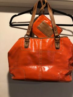 Nine West coral purse with wallet