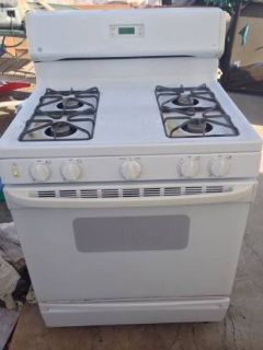 GE Good Condition Gas Stove