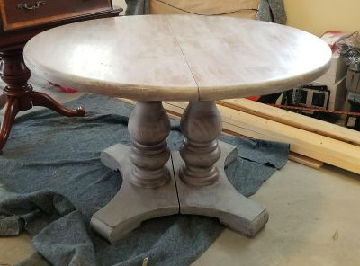 Farm House round dining table