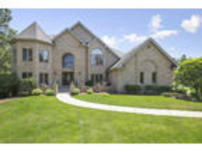 Lemont One BA, 5 Martin Court , IL Listing Price: $669,000 4