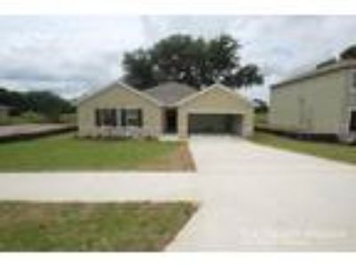Four BR Two BA In Wildwood FL 34785