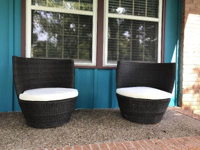 Outdoor Rattan Nesting Chair Set - 2 chairs with cushions
