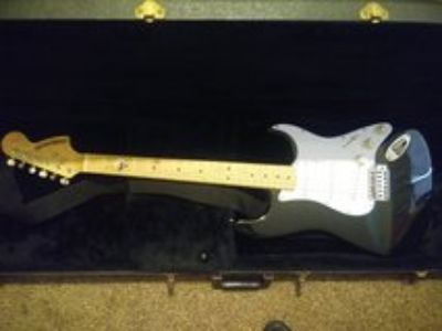 starcaster fender electric guitar w case