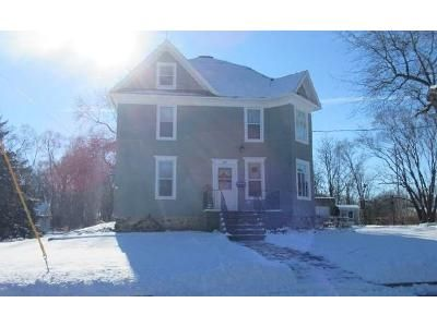 4 Bed 1 Bath Foreclosure Property in Mukwonago, WI 53149 - Plank Rd