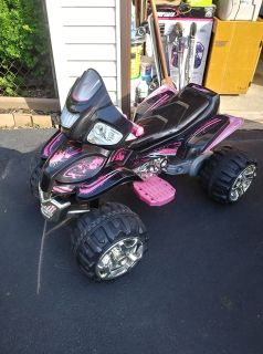 Kids Ride On ATV Quad 12V w battery and Charger