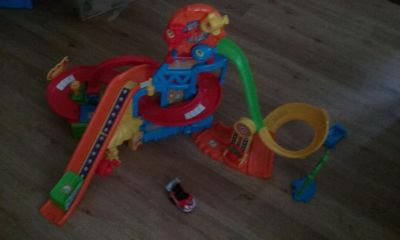 Vtech kids toy track and car