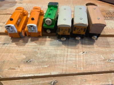 Lot of Random Thomas and Friends Trains - 2 Terence, Duck, Annie, Clarabel, plain Train)