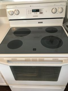 Electric oven Maytag