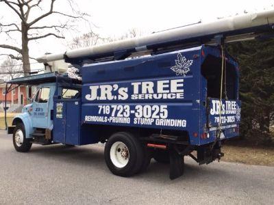 1999 International 4700 DT466 engine Bucket Truck (Blue)