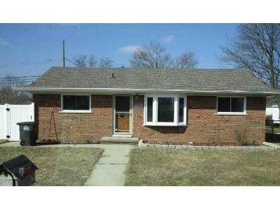 3 Bed 1 Bath Foreclosure Property in Taylor, MI 48180 - Burr St