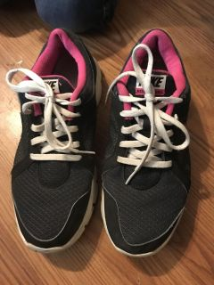 Nike shoes grey and pink