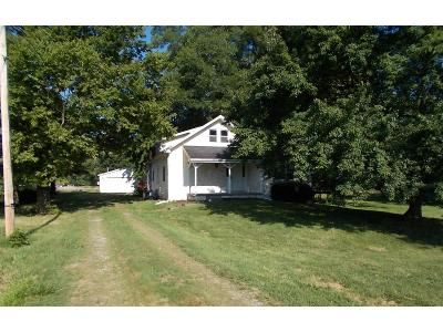 3 Bed 2 Bath Foreclosure Property in Newburgh, IN 47630 - Anderson Rd
