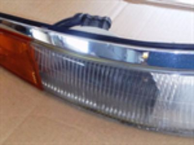 Parts For Sale: 1993 1994 1995 1996 LINCOLN MARK VIII 8 PASSENGER FRONT CORNER LIGHT CHROME TRIM