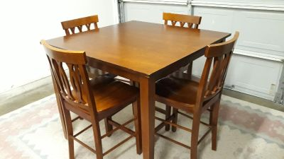 Counter Height Dining Set With Four Chairs