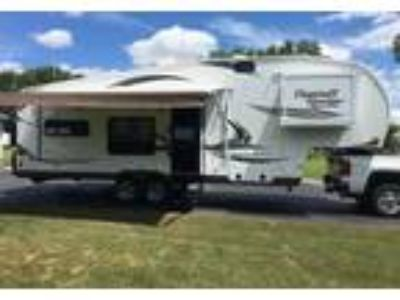 2014 Flagstaff Classic-Super-Lite 5th Wheel in East Bethany, NY