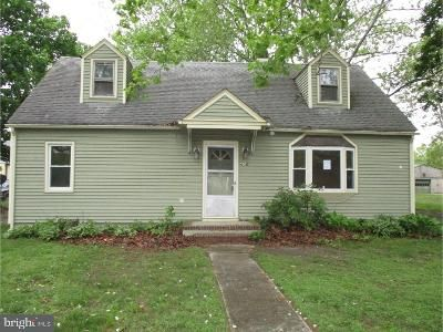 2 Bed 1 Bath Foreclosure Property in Hammonton, NJ 08037 - Walnut St