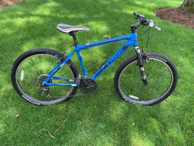 "Trek 3500 Men's 18"" Mountain Bike"