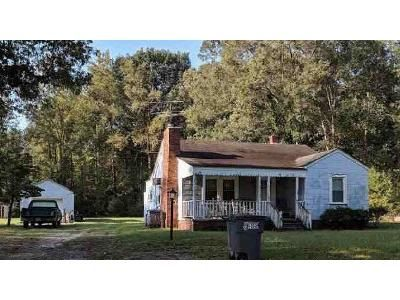 3 Bed 1.0 Bath Preforeclosure Property in Rocky Mount, NC 27803 - Fleming St