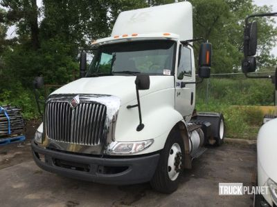 2006 International 8600 S/A Day Cab Truck Tractor