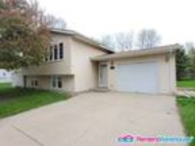 Amazing Three BR Two BA Willmar Home Available Now!