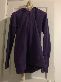 Purple lululemon hoodie. Long style. Super comfy. Tag says size 8.