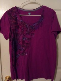 Very cute top size extra large sjb activity brand good condition