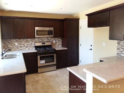 3 bedroom in Escondido