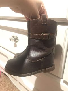 size 6 toddler riding style booties good used condition