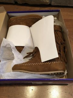 New in box girls Rampage size 13 fringe boots