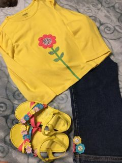 Gymboree - 3 Piece Outfit- Jeans Top and Shoes- Size 5T