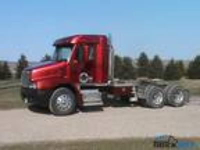 Used 1997 Freightliner CST11264ST-CENTURY 112 for sale.
