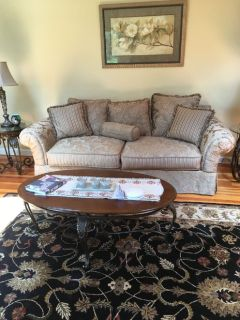 Elegant Living Room Set