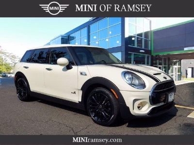 2018 MINI Clubman Cooper S (pepper)